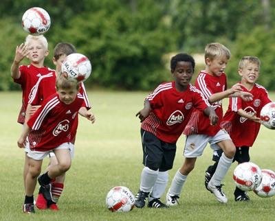 sjove opvarmningsøvelser fodbold